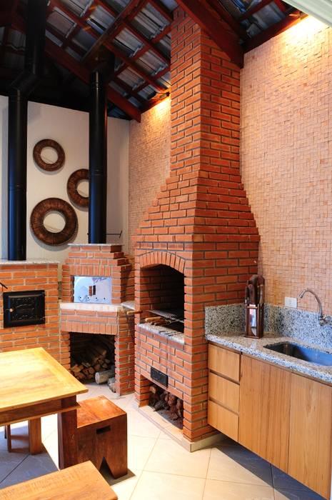 Balcon, Veranda & Terrasse rustiques par studio VIVADESIGN POR FLAVIA PORTELA ARQUITETURA + INTERIORES Rustique