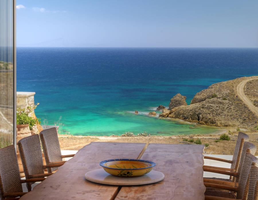 Mediterranean style dining room by Carlos Eduardo de Lacerda Arquitetura e Planejamento Mediterranean