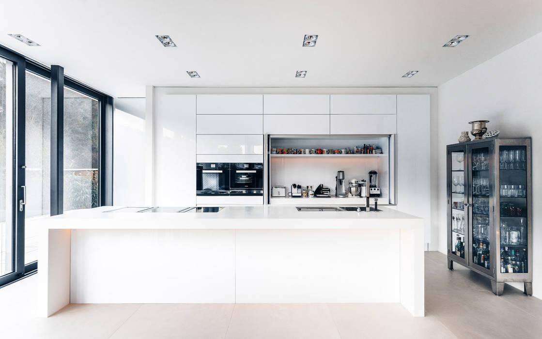 Skandella Architektur Innenarchitektur Cucina minimalista