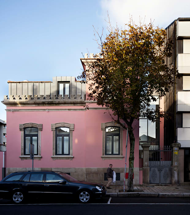 ​Kindergarten and Nursery - Refurbishment : Casas  por es1arq