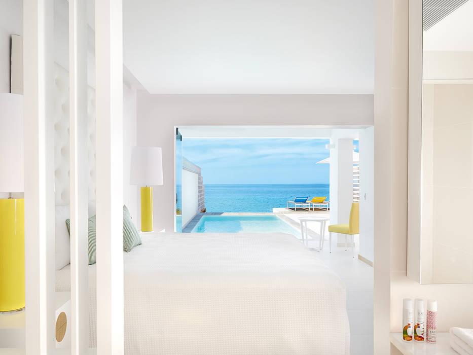 Modern hotels by Interdesign Interiores Modern