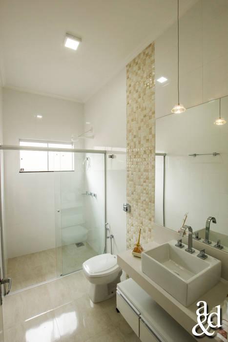 Modern style bathrooms by Arch & Design Studio Modern