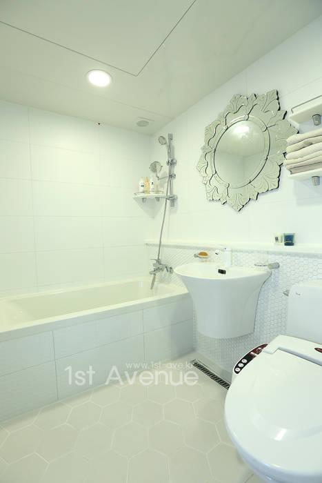 톡쏘는 청량감이 있는 안산 푸르지오: 퍼스트애비뉴의  욕실