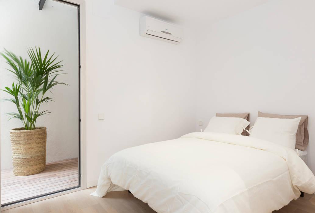 OAK 2000 Modern Bedroom