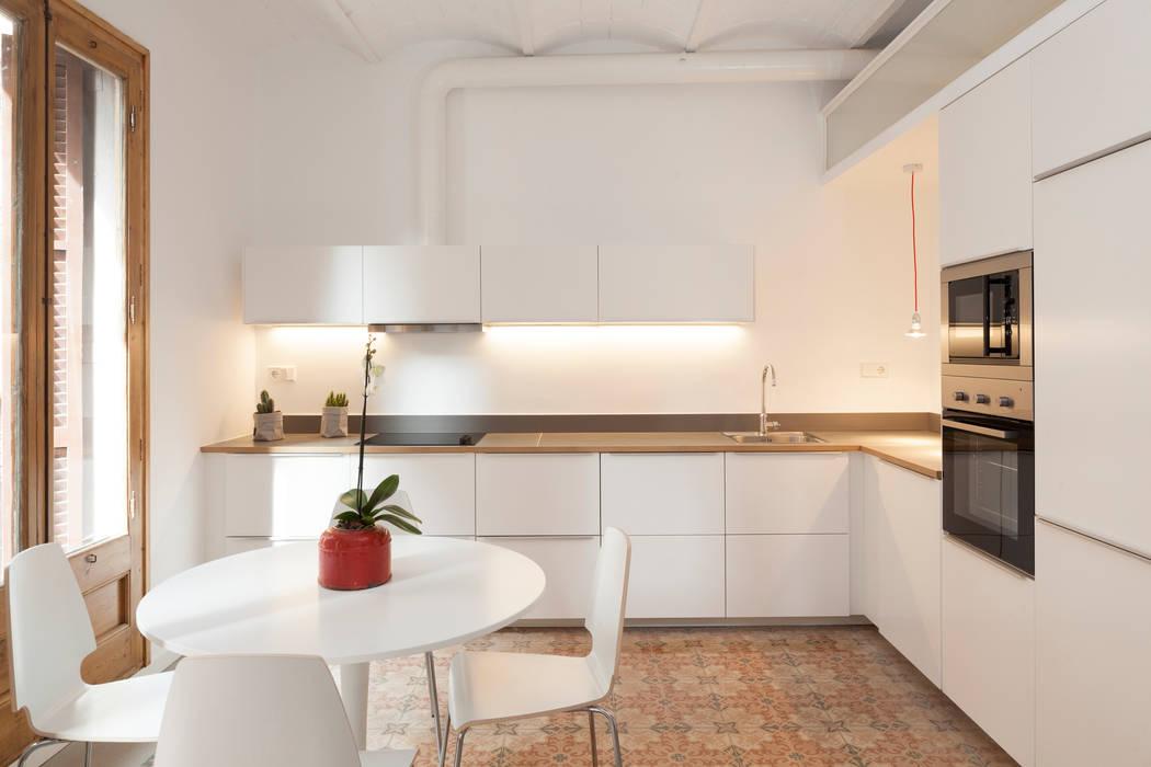 Cocinas de estilo moderno de OAK 2000 Moderno