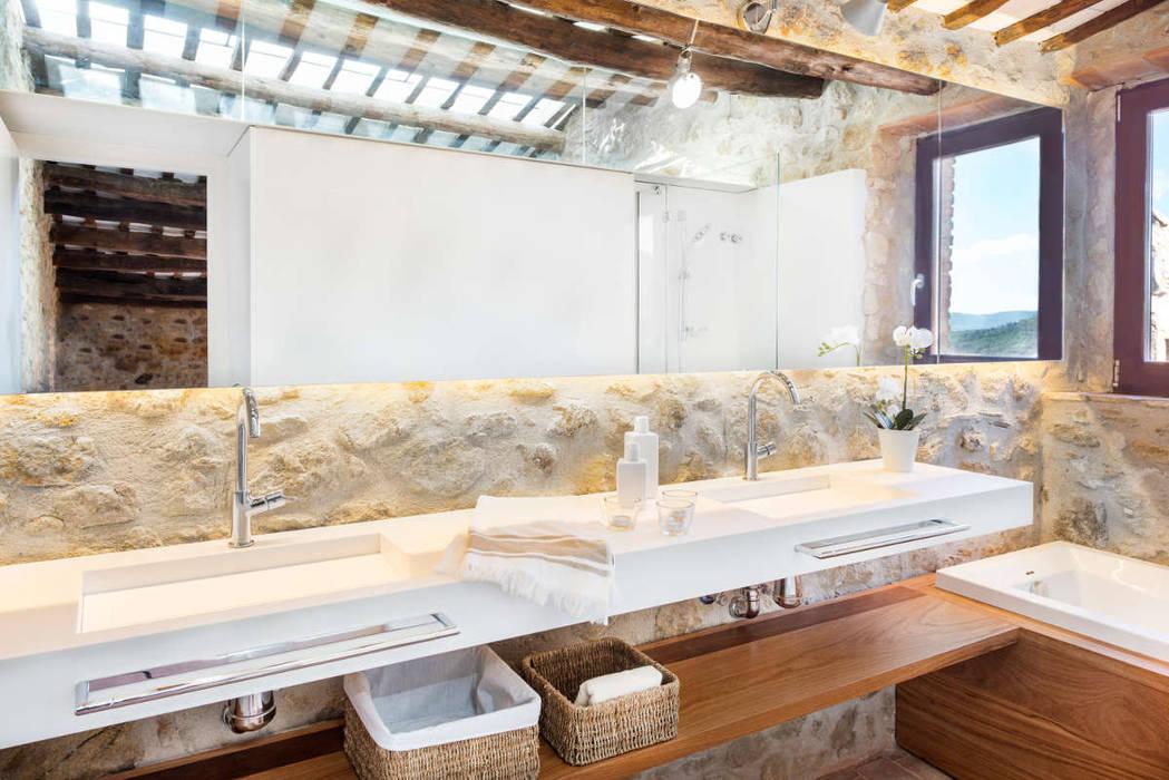 Pals, De la Torre 4, Cases Singulars de l'Empordà Baños rústicos de TONO BAGNO | Pasión por tu baño Rústico