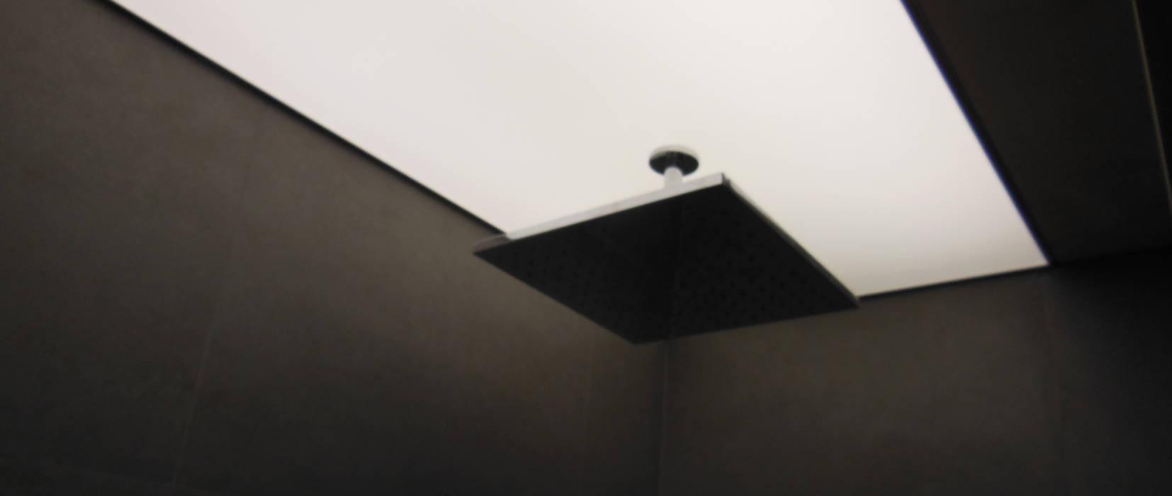Tecto banho retro iluminado Casas de banho modernas por Poliune Moderno