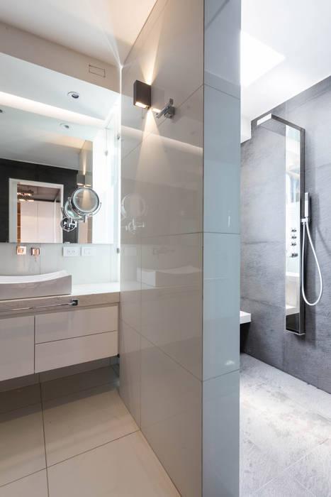 Baños de estilo moderno de BCA Arch and Interiors Moderno