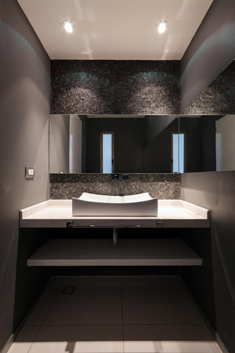 Baños de estilo  por BCA Arch and Interiors, Moderno