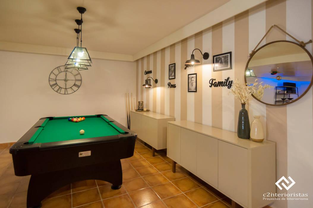 现代客厅設計點子、靈感 & 圖片 根據 C2INTERIORISTAS 現代風