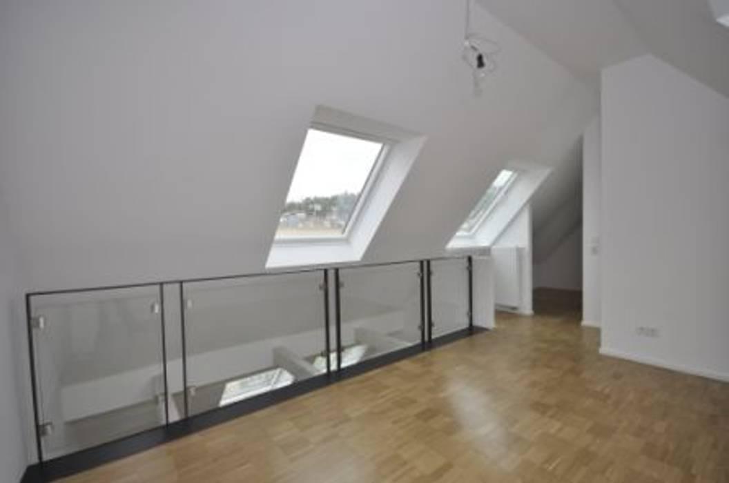 Kleinod unterm dach: schlafzimmer von sigrun gerst architektur   homify