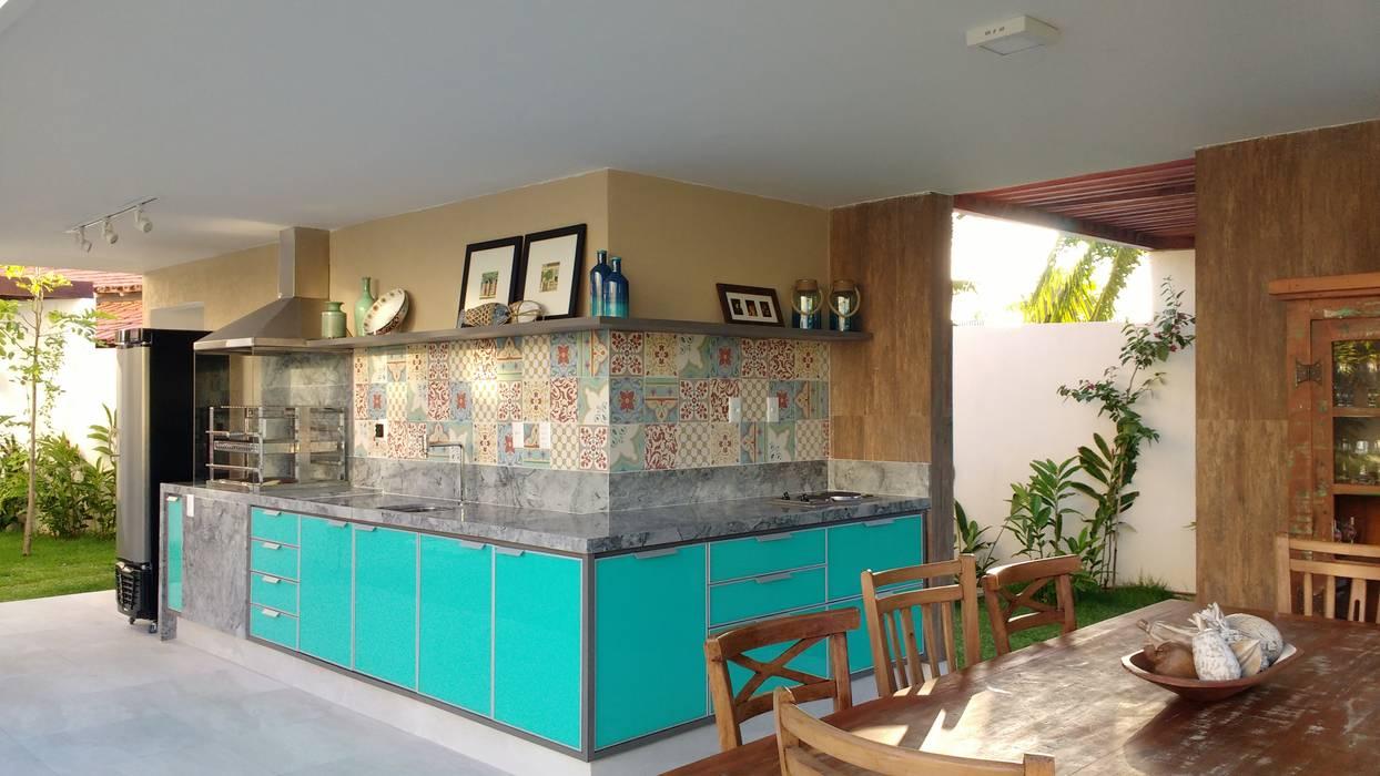 ESPAÇO GOURMET Varandas, alpendres e terraços tropicais por Tânia Póvoa Arquitetura e Decoração Tropical Mármore
