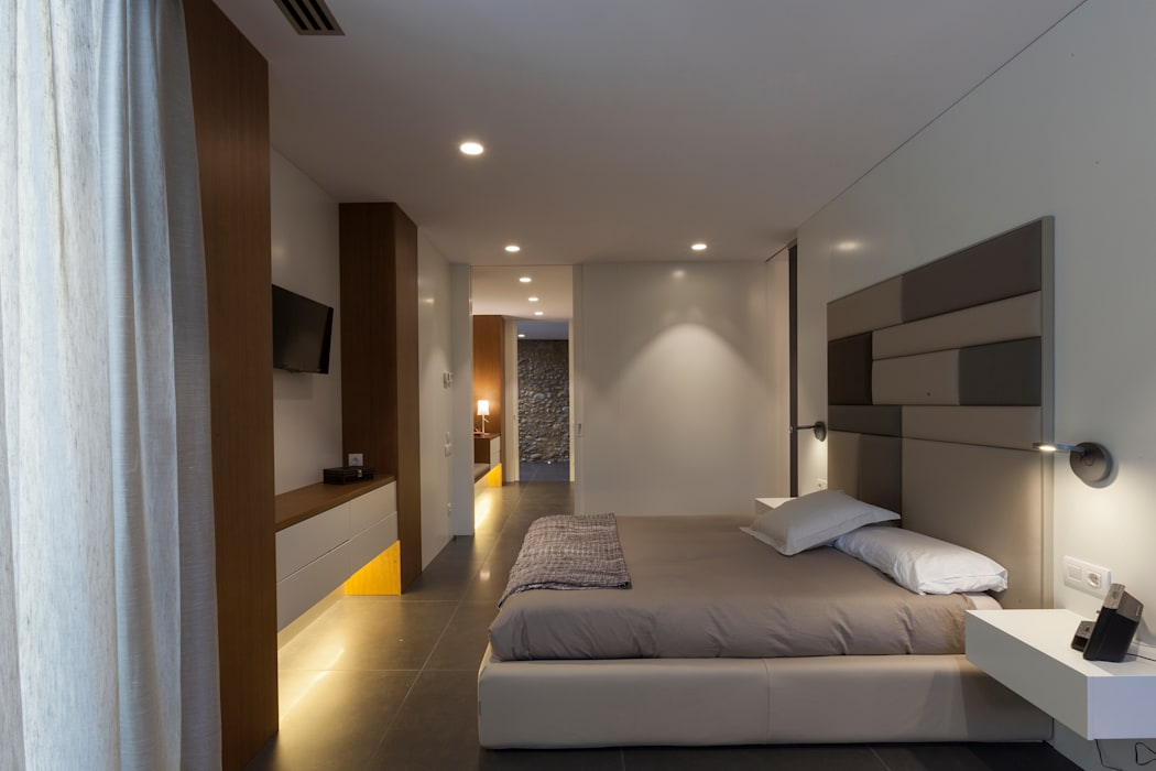 臥室 by Teresa Casas Disseny d'Interiors, 現代風