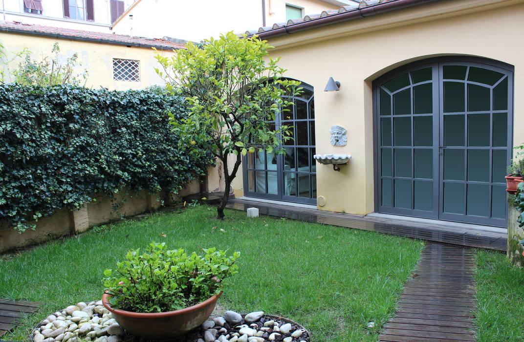 Сад в стиле модерн от STUDIO ARCHIFIRENZE Модерн