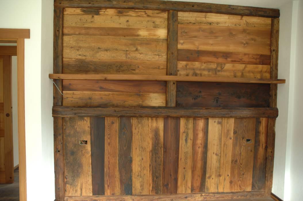 Letto Rustico Legno : Rivestimento parete con legno antico camera da letto in stile in