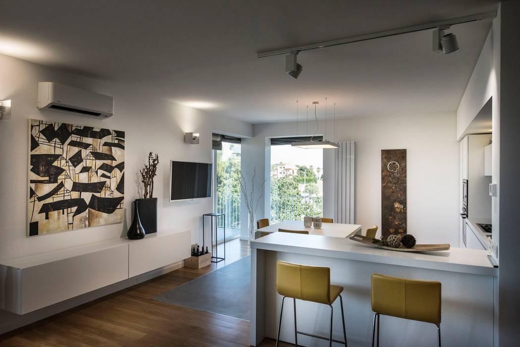 Casa E: Cucina in stile  di Laboratorio di Progettazione Claudio Criscione Design
