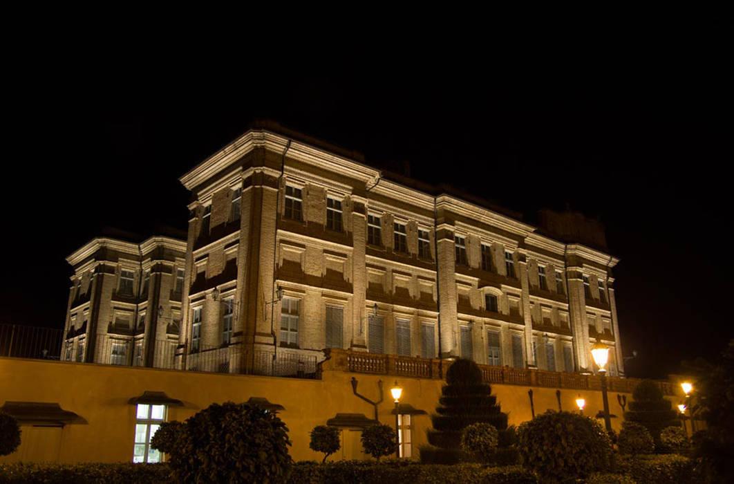 L illuminazione notturna del castello in stile di studio