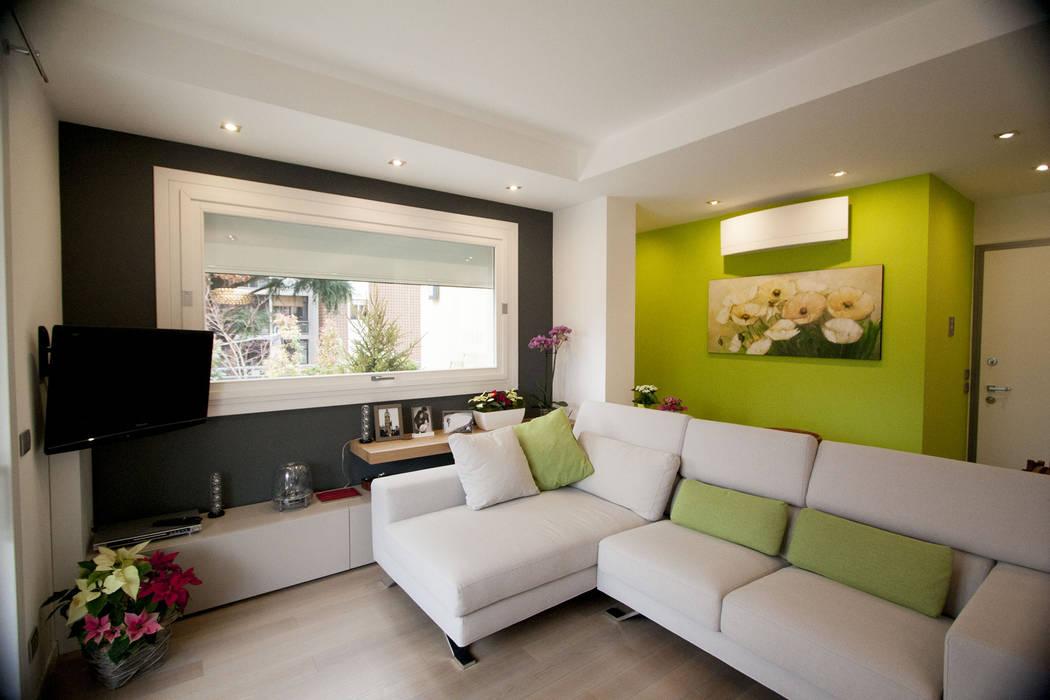 Ruang Keluarga Modern Oleh Studio HAUS Modern