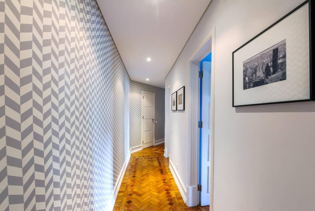 Espaço Mínimo Scandinavian style corridor, hallway& stairs