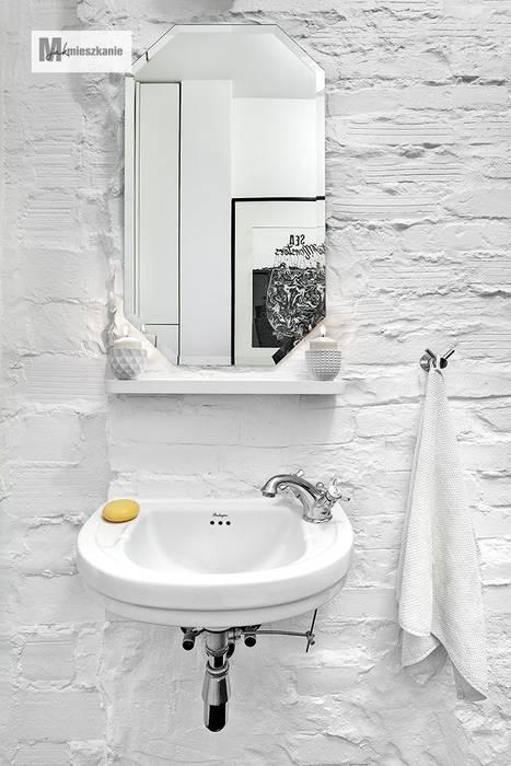 Baños de estilo escandinavo de dziurdziaprojekt Escandinavo
