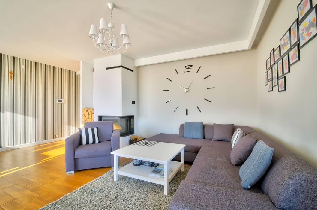 Salones de estilo moderno de Biuro Projektów MTM Styl - domywstylu.pl Moderno