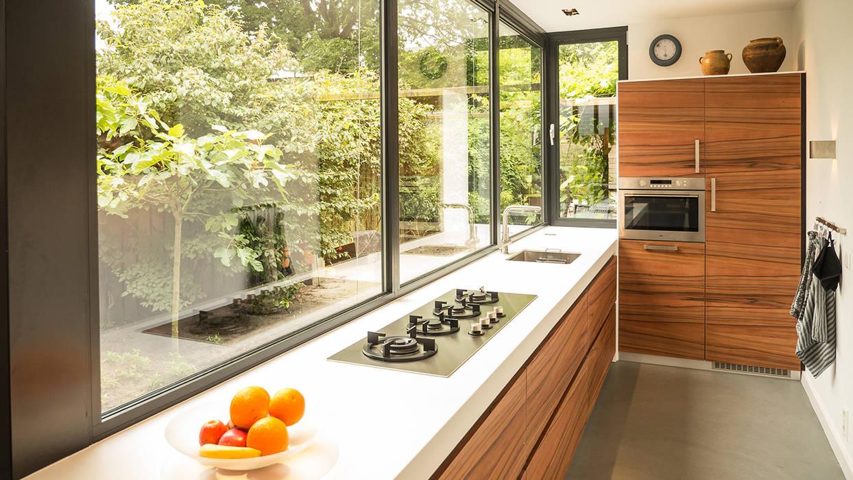 Aanbouw Open Keuken : Luxe smalle aanbouw met keuken pal op het zuiden aluminium