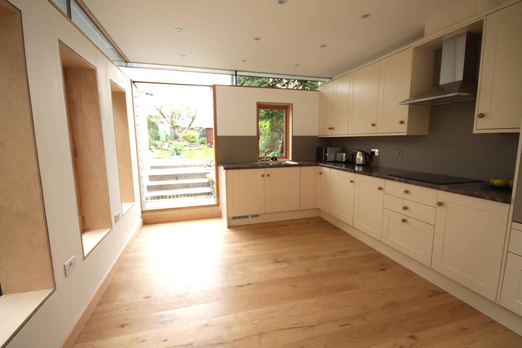 Whiterock Innes Architects Modern kitchen