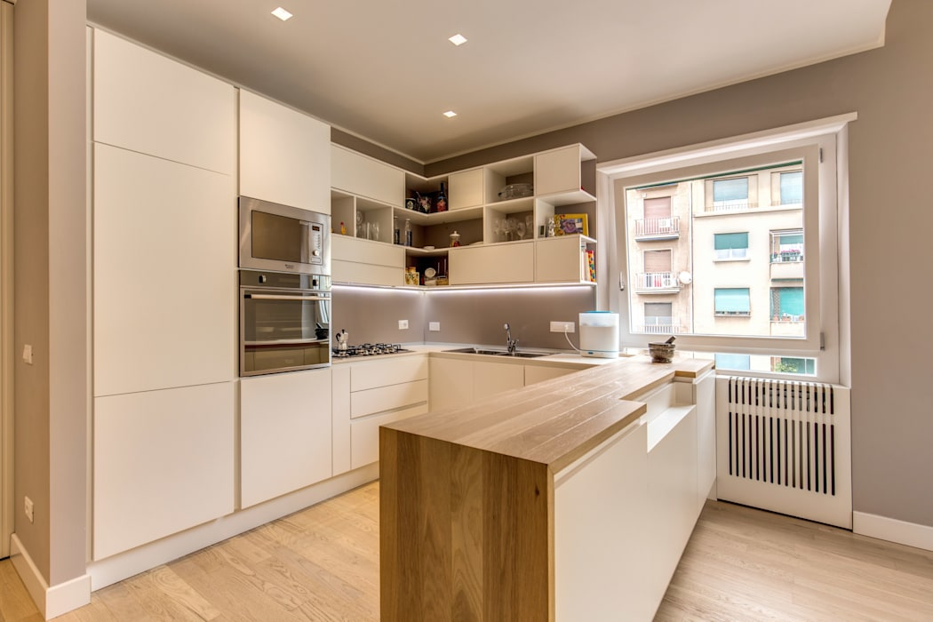 TRIESTE : Cucina in stile  di MOB ARCHITECTS
