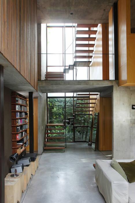 Casa OLIVOS Pasillos, vestíbulos y escaleras rurales de Arquitecto Alejandro Sticotti Rural