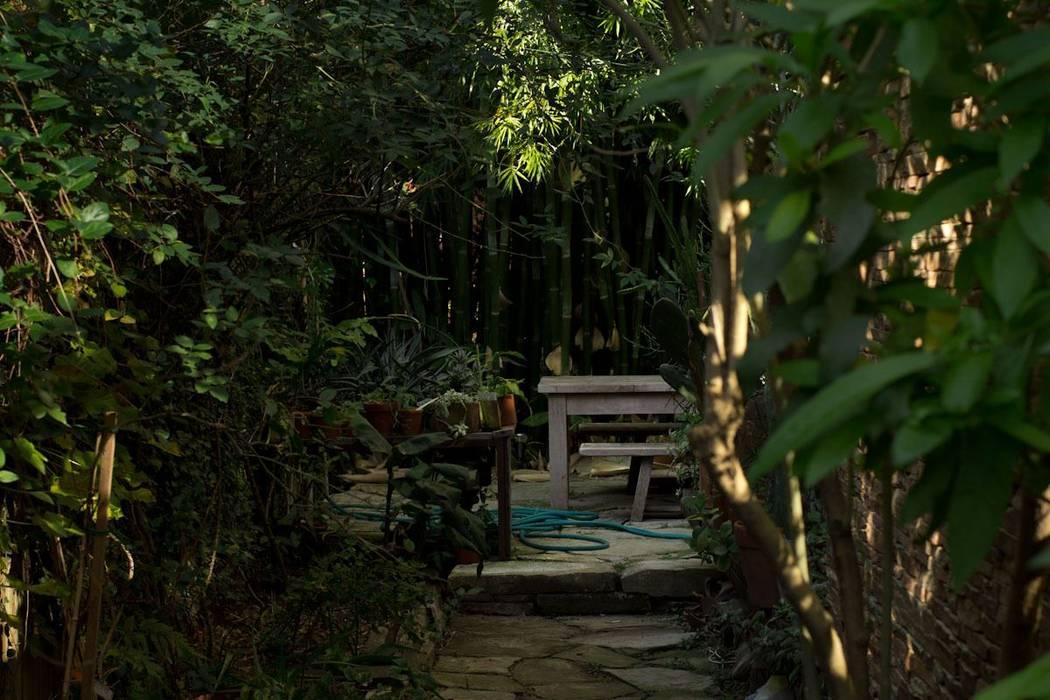 Net Muebles: Jardines de estilo  por Arquitecto Alejandro Sticotti