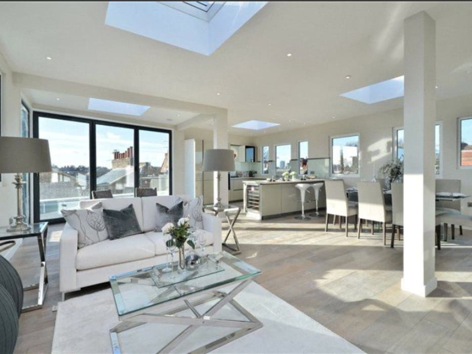 Ruang Keluarga oleh Boutique Modern Ltd, Modern