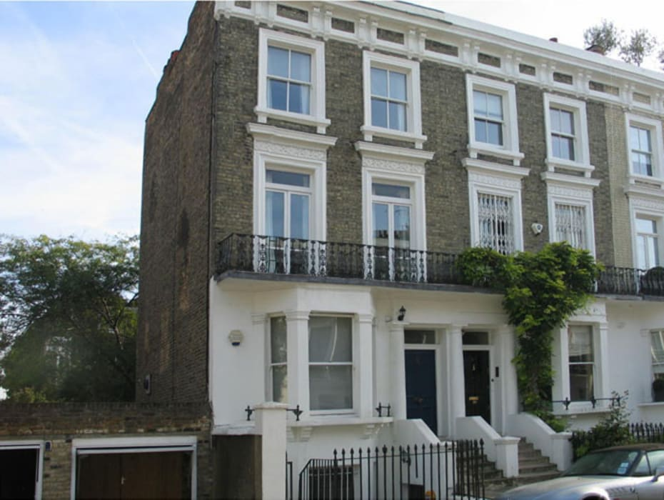 Langton Street (Londra): Case in stile in stile Moderno di Alessandro Tosetti
