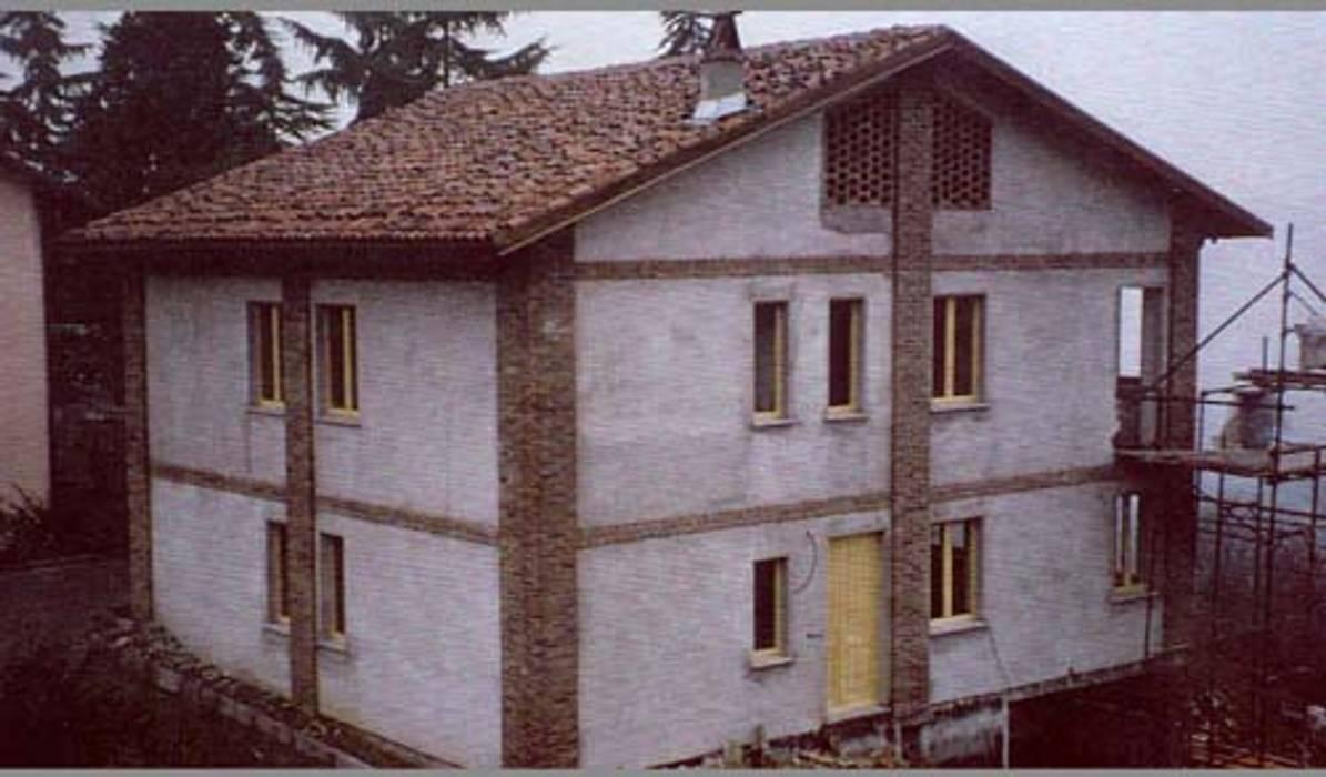 Moncalieri (Torino): Case in stile in stile Moderno di Alessandro Tosetti
