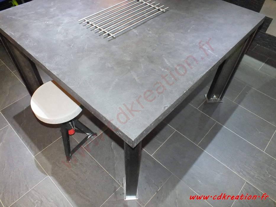 Table De Salle A Manger Industriel Carree En Acier Brut Beton