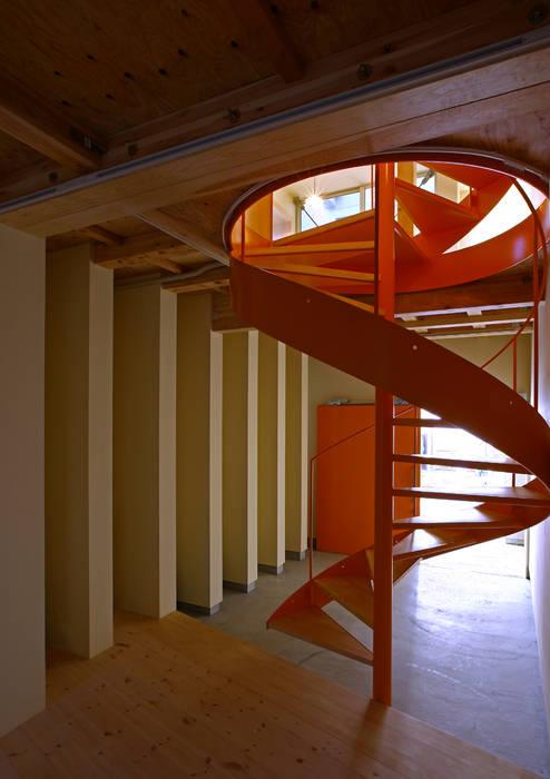 アトリエハコ建築設計事務所/atelier HAKO architects Koridor & Tangga Modern