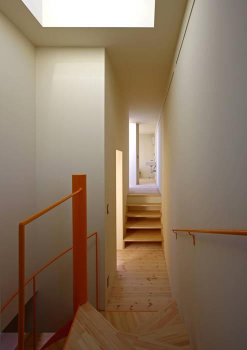 アトリエハコ建築設計事務所/atelier HAKO architects Koridor & Tangga Gaya Skandinavia