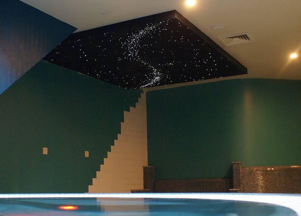 Fiber Optic Star Ceiling Bathroom, spa, pool, sauna with Milky Way + Shooting stars Bares y clubs de estilo mediterráneo de MyCosmos Mediterráneo Madera Acabado en madera