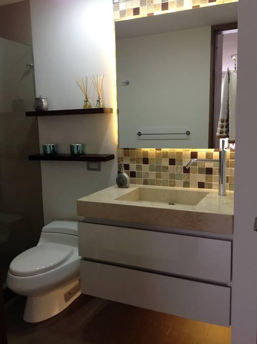 Baño Social: Baños de estilo  por ea interiorismo, Moderno Mármol