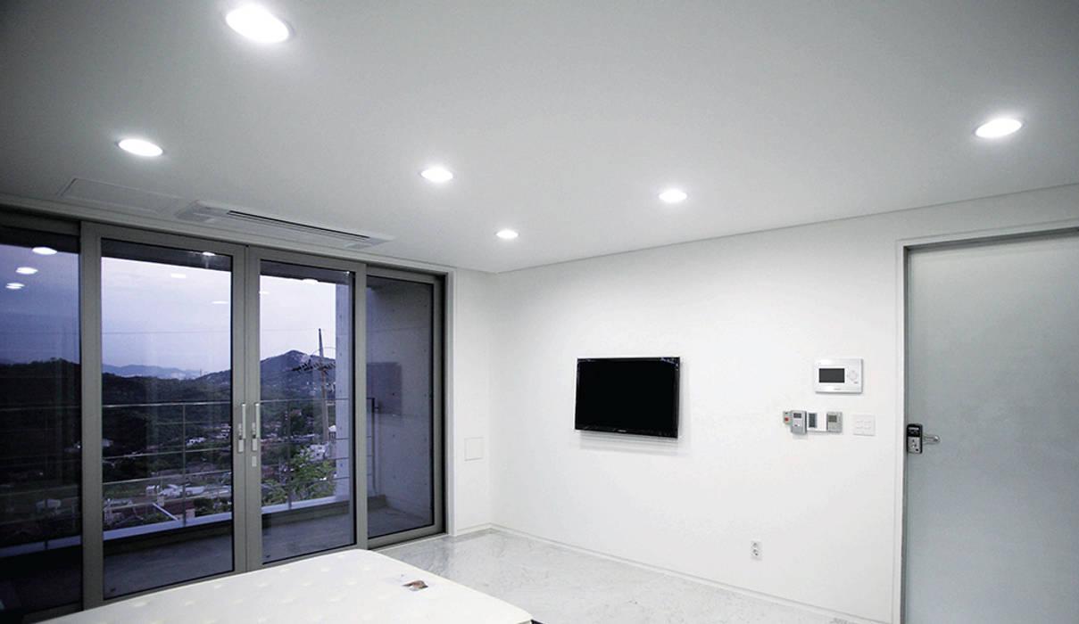 Modern style bedroom by 엔디하임 - ndhaim Modern
