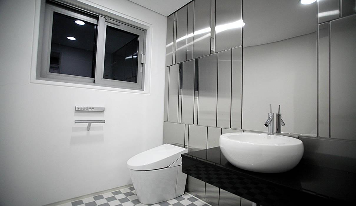 Modern bathroom by 엔디하임 - ndhaim Modern
