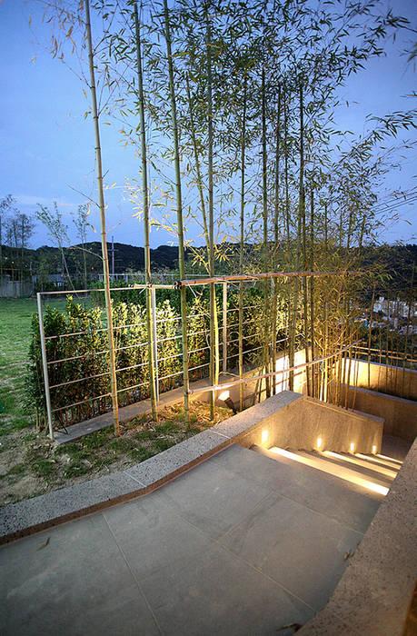 Modern style gardens by 엔디하임 - ndhaim Modern
