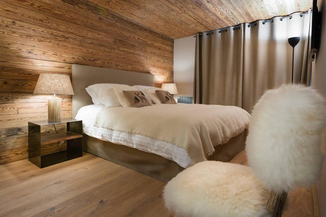 ラスティックスタイルの 寝室 の DeerHome ラスティック