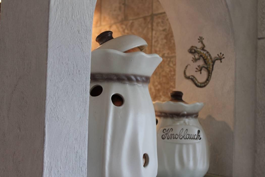 Dekorative Nische Als Raumteiler Zwischen Kuche Und Esszimmer Rustikale Kuchen Von Villa Medici Landhauskuechen Aus Aschheim Rustikal Holz Holznachbildung Homify