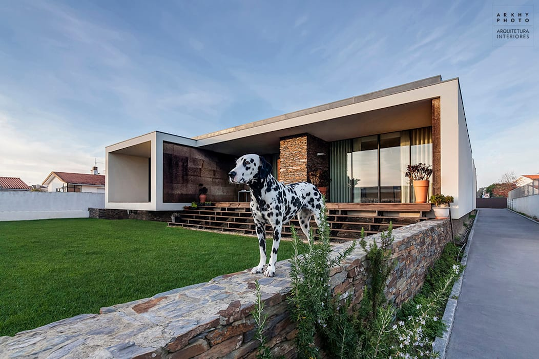 Casa AVR - Ovar Casas modernas por ARKHY PHOTO Moderno