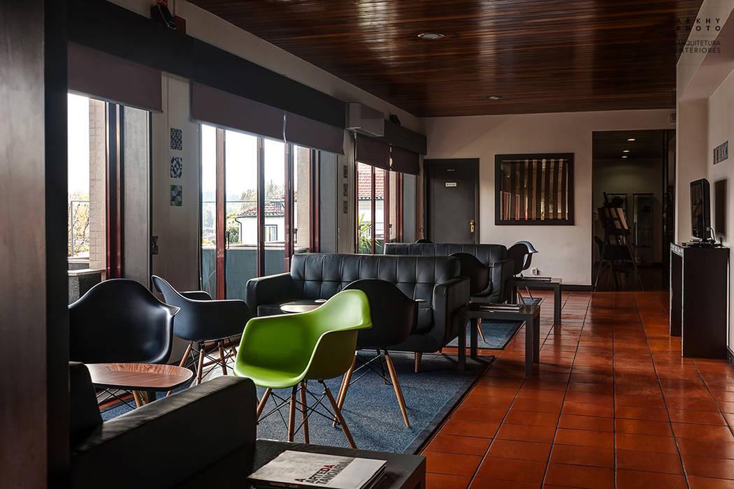 Aqua Hotel | Ovar Corredores, halls e escadas modernos por ARKHY PHOTO Moderno