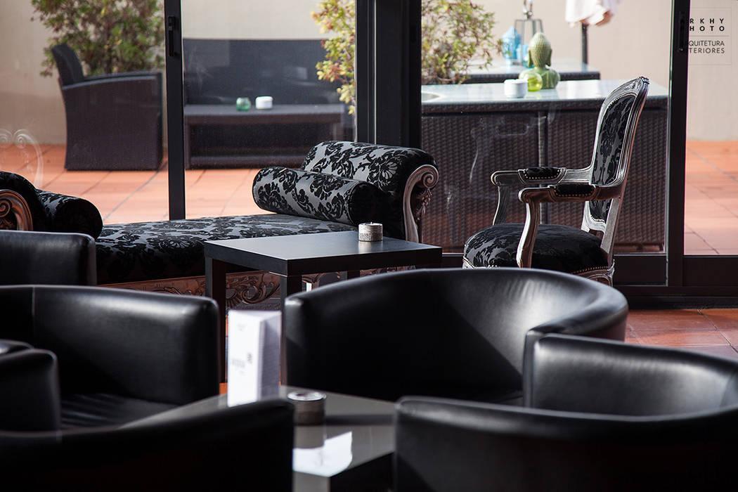 Aqua Hotel | Ovar: Corredores e halls de entrada  por ARKHY PHOTO