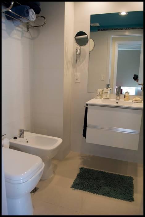 Segundo baño Baños eclécticos de Diseñadora Lucia Casanova Ecléctico