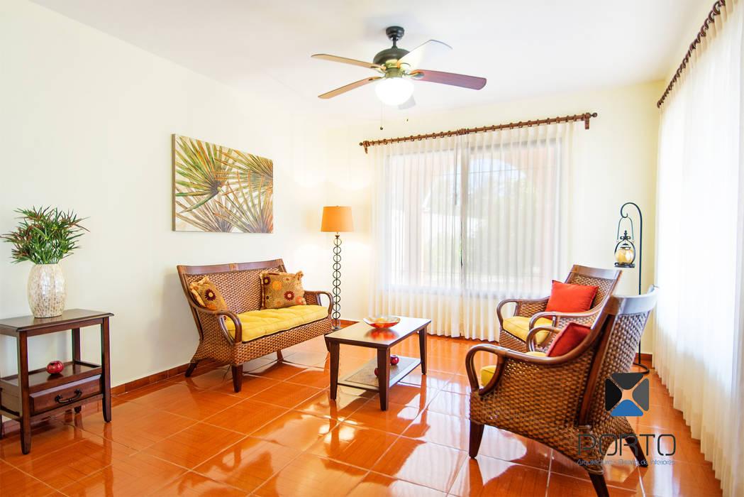 Living room by PORTO Arquitectura + Diseño de Interiores, Colonial