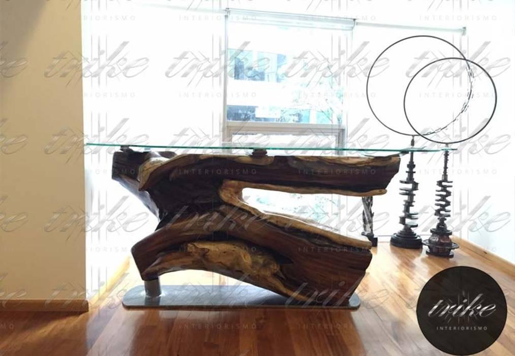Barra tronco de Madera: Cocinas de estilo colonial por Trike Interiorismo