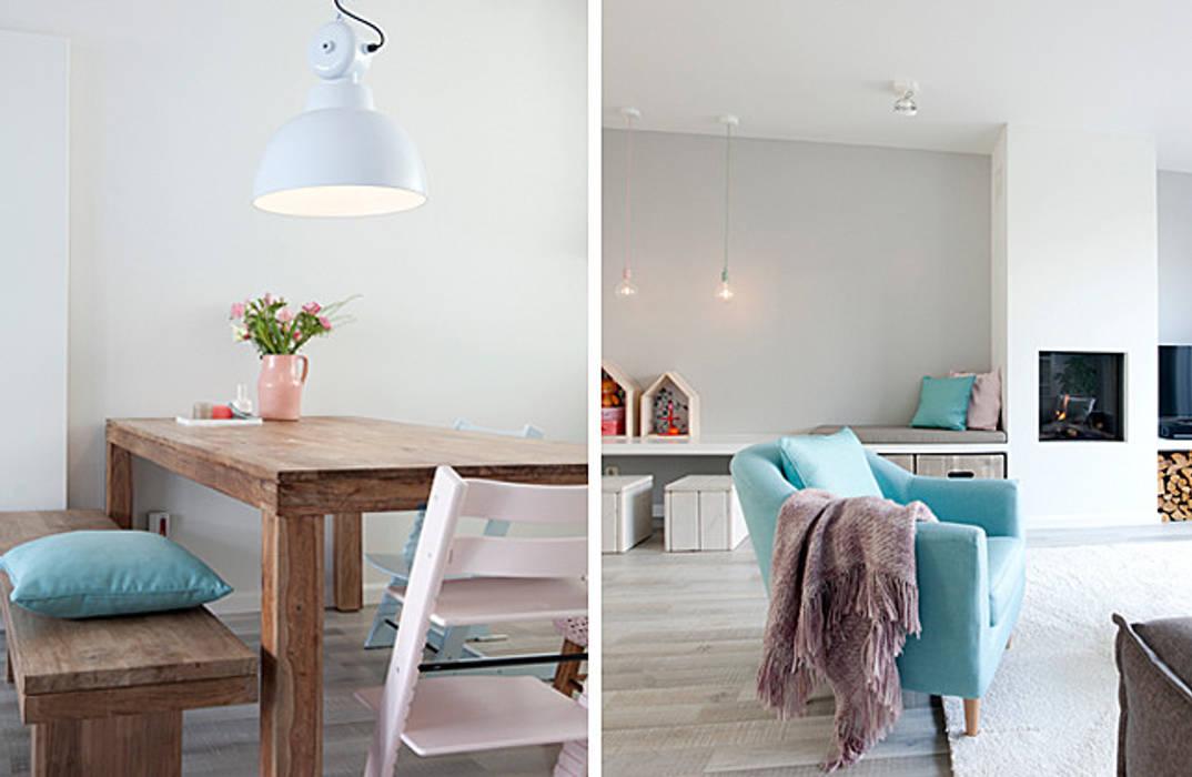Een romantische woonkamer: landelijke woonkamer door interieur ...